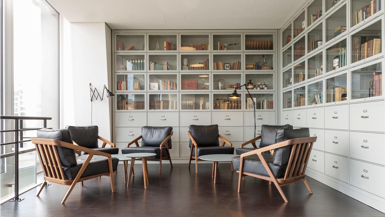 Café-ferdinand-hamburgo-alemania-diseño-aerogram-studio-2