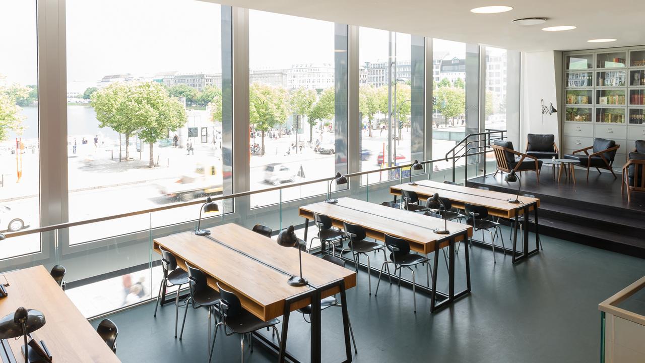Café-ferdinand-hamburgo-alemania-diseño-aerogram-studio-7