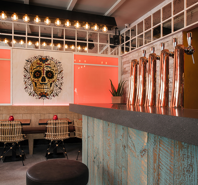 Bar de copas La Mère Pouchet en París diseñado por Michael Malapert 1