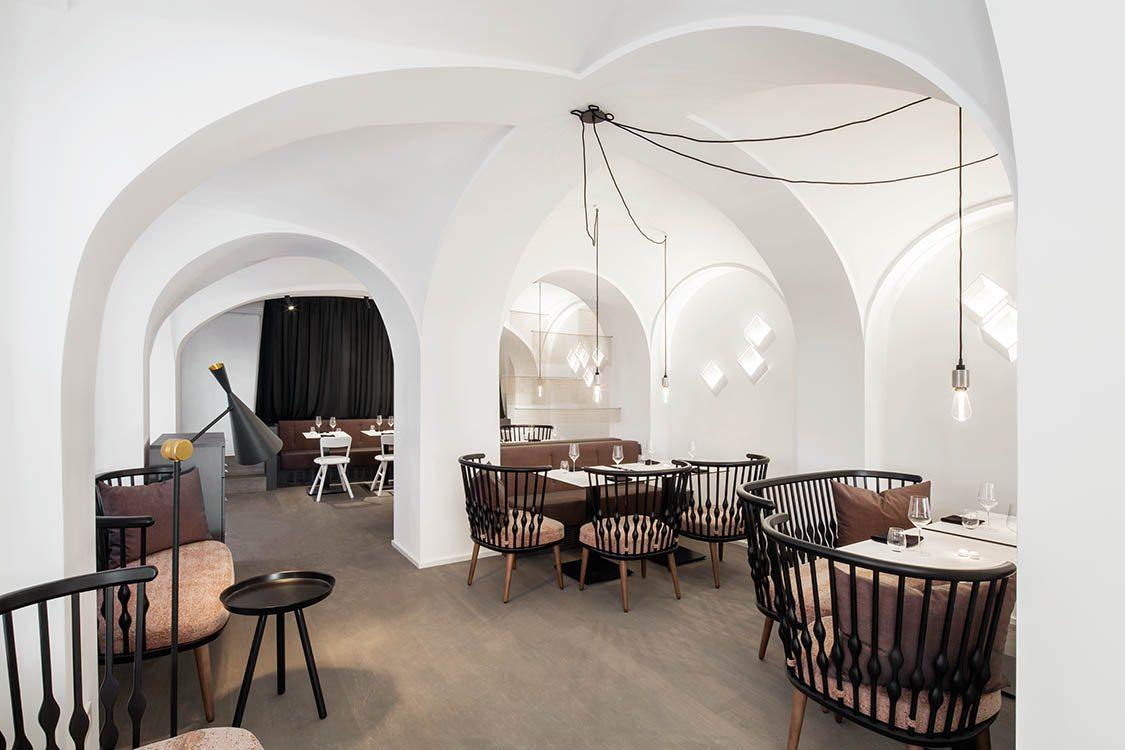 Lingenhel espacio gourmet en Viena diseño de Destilat 1