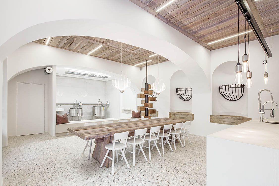 Lingenhel espacio gourmet en Viena diseño de Destilat 6
